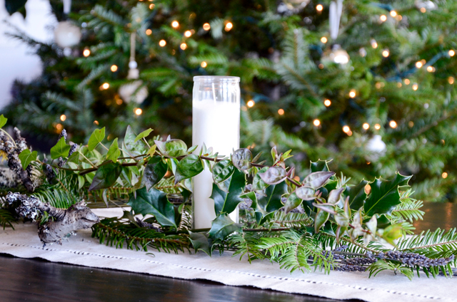 Simple Holiday Table Arrangement (with lavender!)